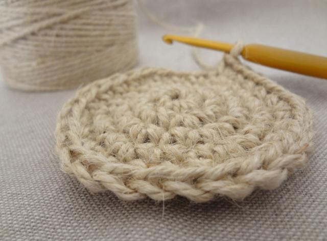 手作りコースターをプレゼントに!手縫いで簡単な作り方