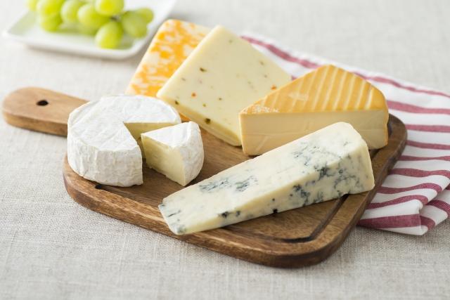 バレンタインには美味しいチーズのギフトを贈ろう!