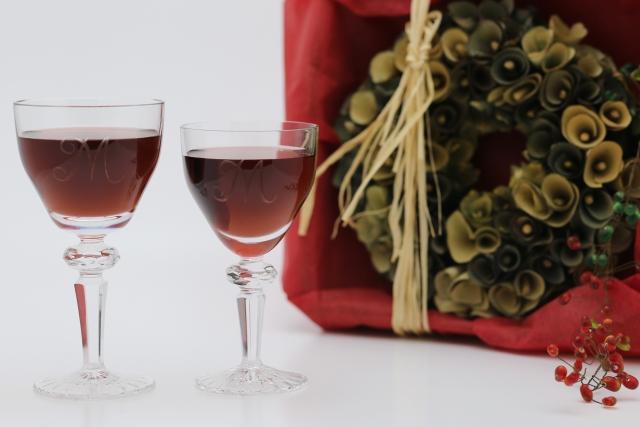 ワイン好きなあの方へ!華やかなグラスをギフトにしよう