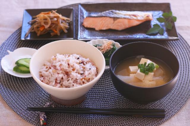 和食のマナーを覚えよう!食べる順番を守ることがとても大事