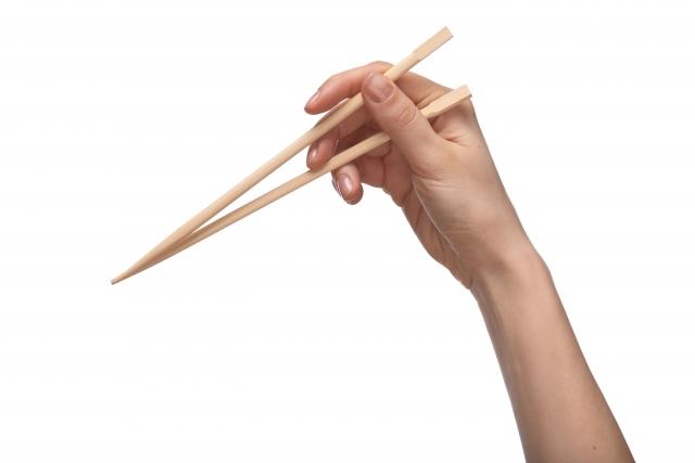 箸の持ち方は中指が大事!今さら聞けない正しい箸の持ち方