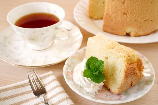 紅茶とケーキでアフタヌーンティー!厳選茶葉で上質な午後を