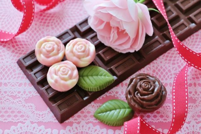 花もチョコレートも贈りたいあなたへ!おすすめのギフトは?