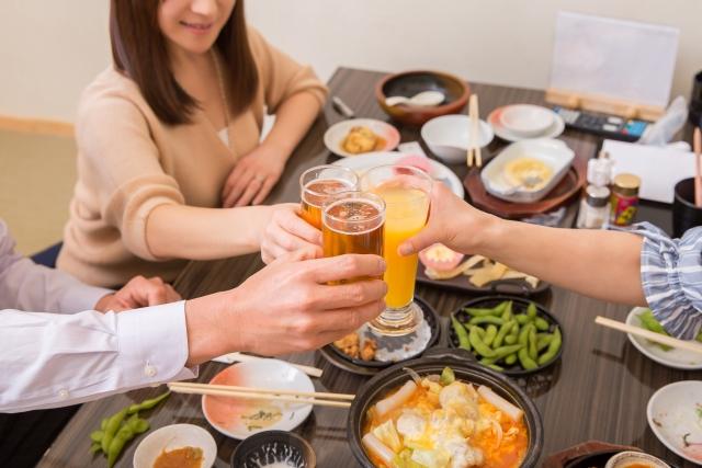 飲み会のマナーとして新入社員のあなたがとるべき行動とは?