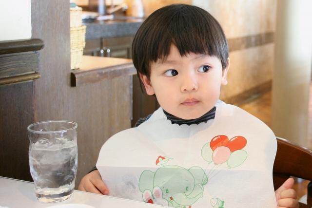 幼児に食事のマナーは必要?教えるならいつ頃からがいいの?