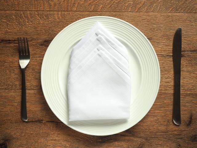 ナプキンの使い方のマナー!食後と離席時は置き場所が違う?