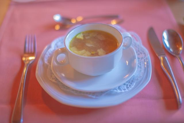 フレンチ料理のスープにもマナーが!どんな点に注意する?