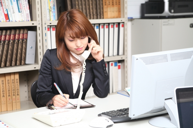 社会人になったら必ず身につけておきたい電話のマナーとは?