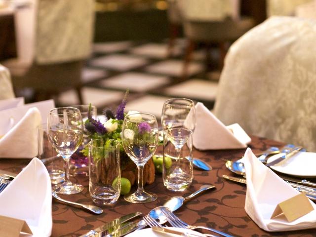 気になる結婚式のテーブルマナー!基本を押さえて披露宴へ