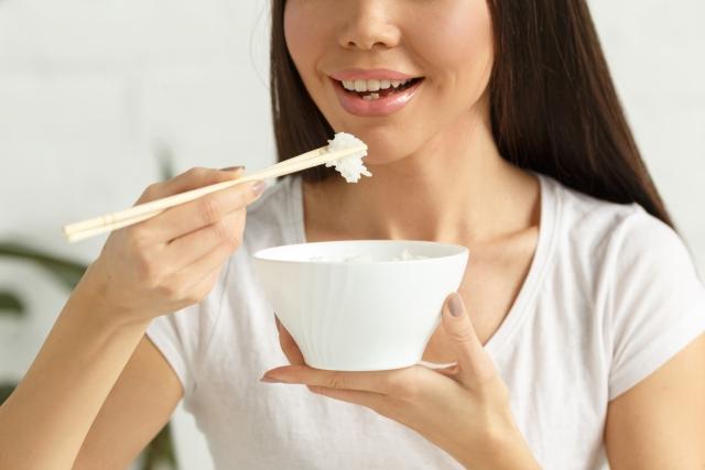 食事のマナーを身につけたいなら!箸の使い方やNG行為を把握