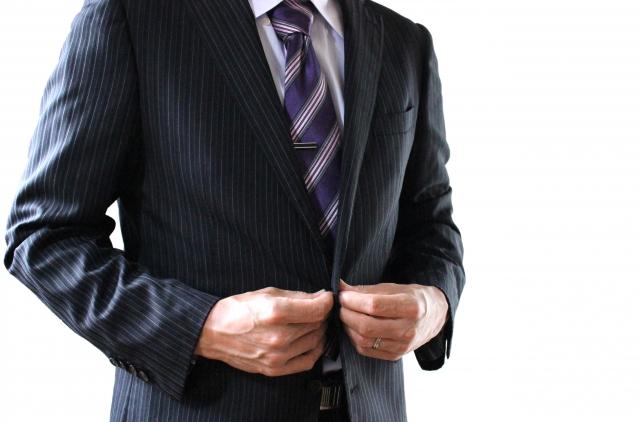 ビジネスでは身だしなみが大切!服装などのマナーをチェック