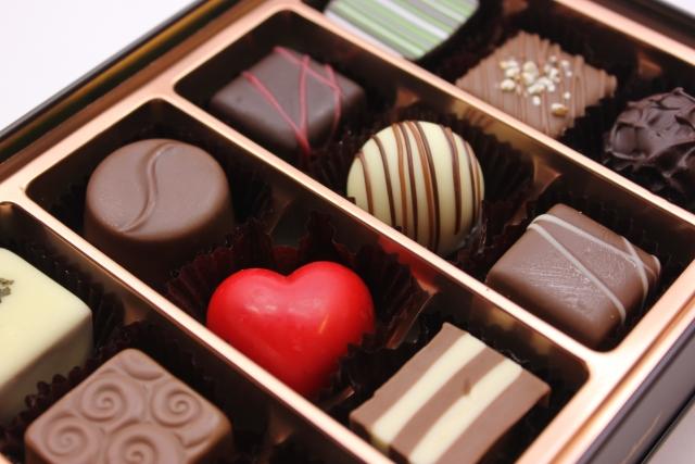 バレンタインであげる友チョコ!おしゃれな高級ブランドから