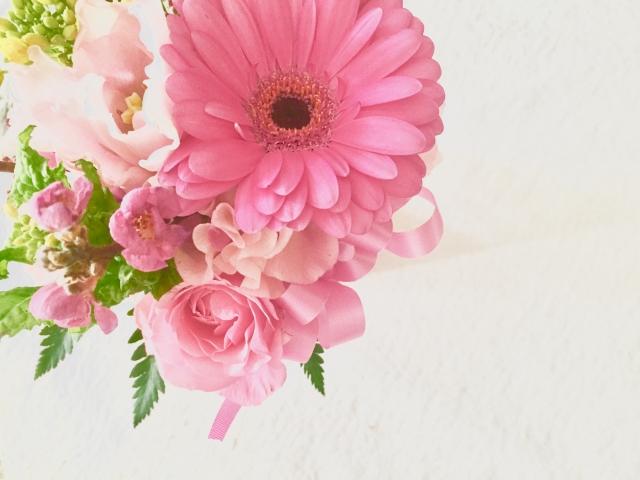 お世話になった方の送別会で花束を贈ろう!頼み方や種類は?