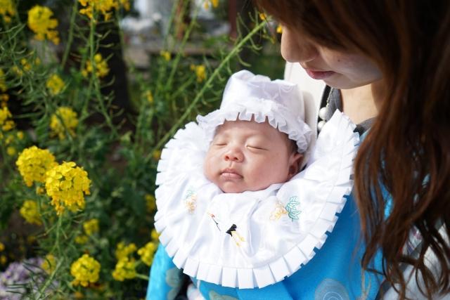 お宮参りで神様に感謝!赤ちゃんの両親の服装はどうする?
