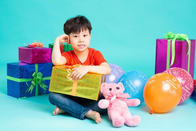 4歳の誕生日プレゼントには何を選ぶ?男の子向けのオススメ