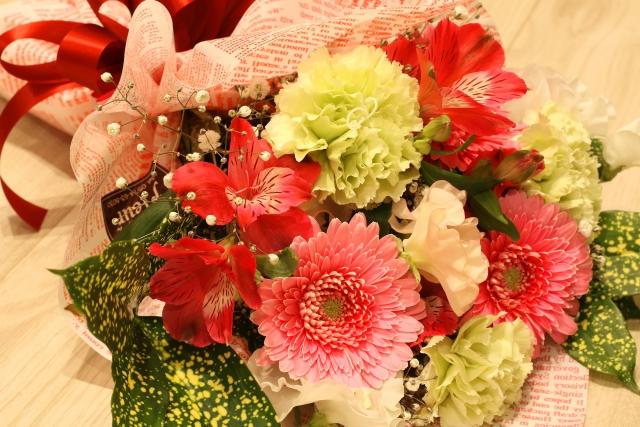 送別会で花束を贈るなら!色で違う花言葉で気持ちを込めよう