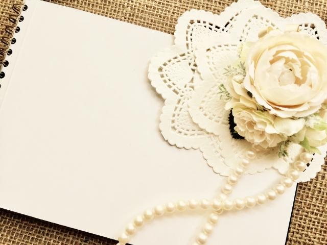 ウェディングアルバムを手作りして結婚祝いのプレゼントに!