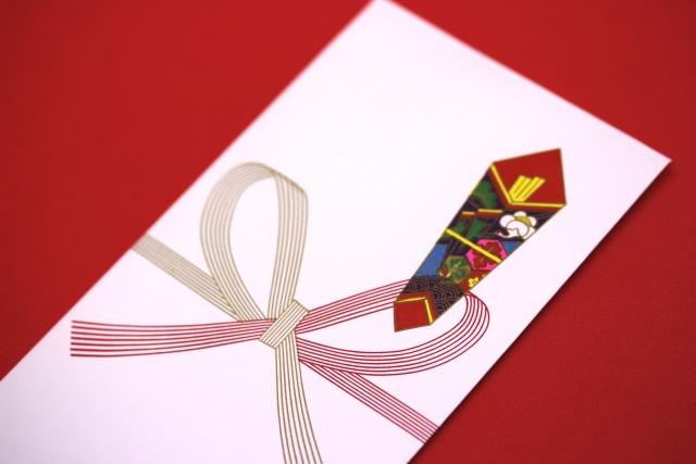 退職の餞別に商品券などを贈るのはあり?贈るときのマナー
